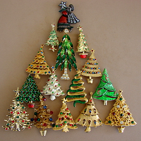 Merry Christmas Tree Pins | Vintage Charms Bracelets